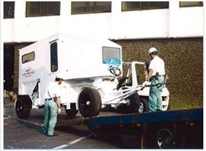 特殊貨物車をセルフローダー車にて輸送